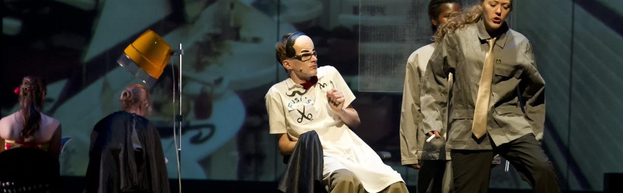 TheaterVoorstelling Momo, regie Lieke Deelstra